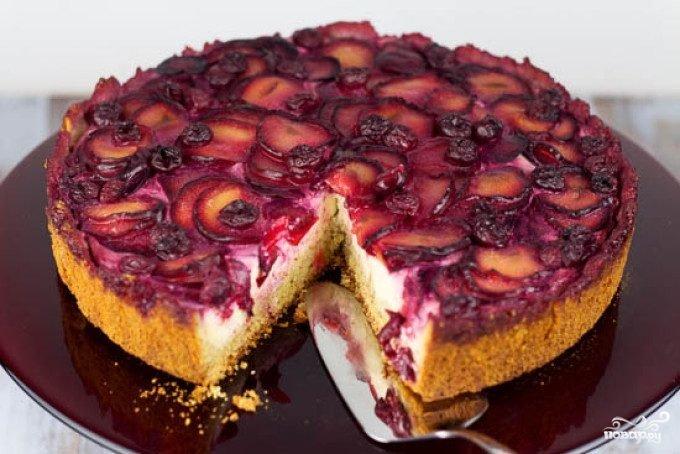 Быстрый пирог со сливами в мультиварке рецепт с фото
