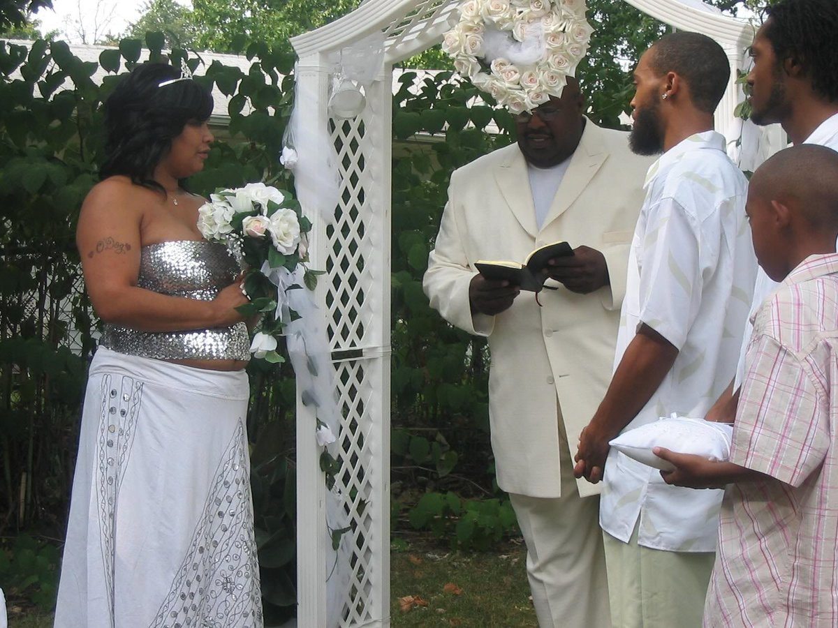 Ron Isley wife Kandy Johnson Isley Ronald Isley and Wifey Ronald isley and kandy johnson wedding pictures