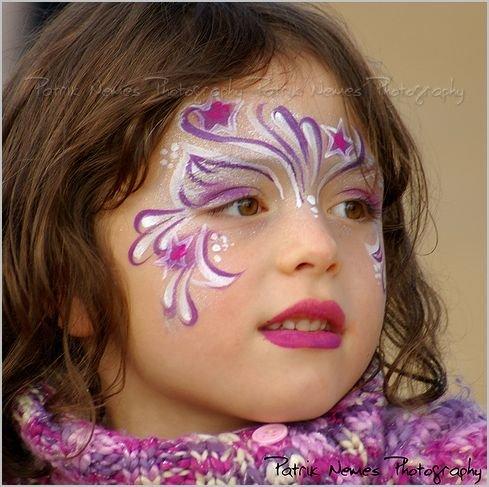 Чем нарисовать на лице чтобы не стерлось