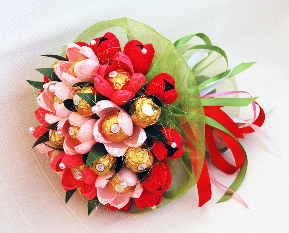 Букеты из конфет для подарка своими руками 39