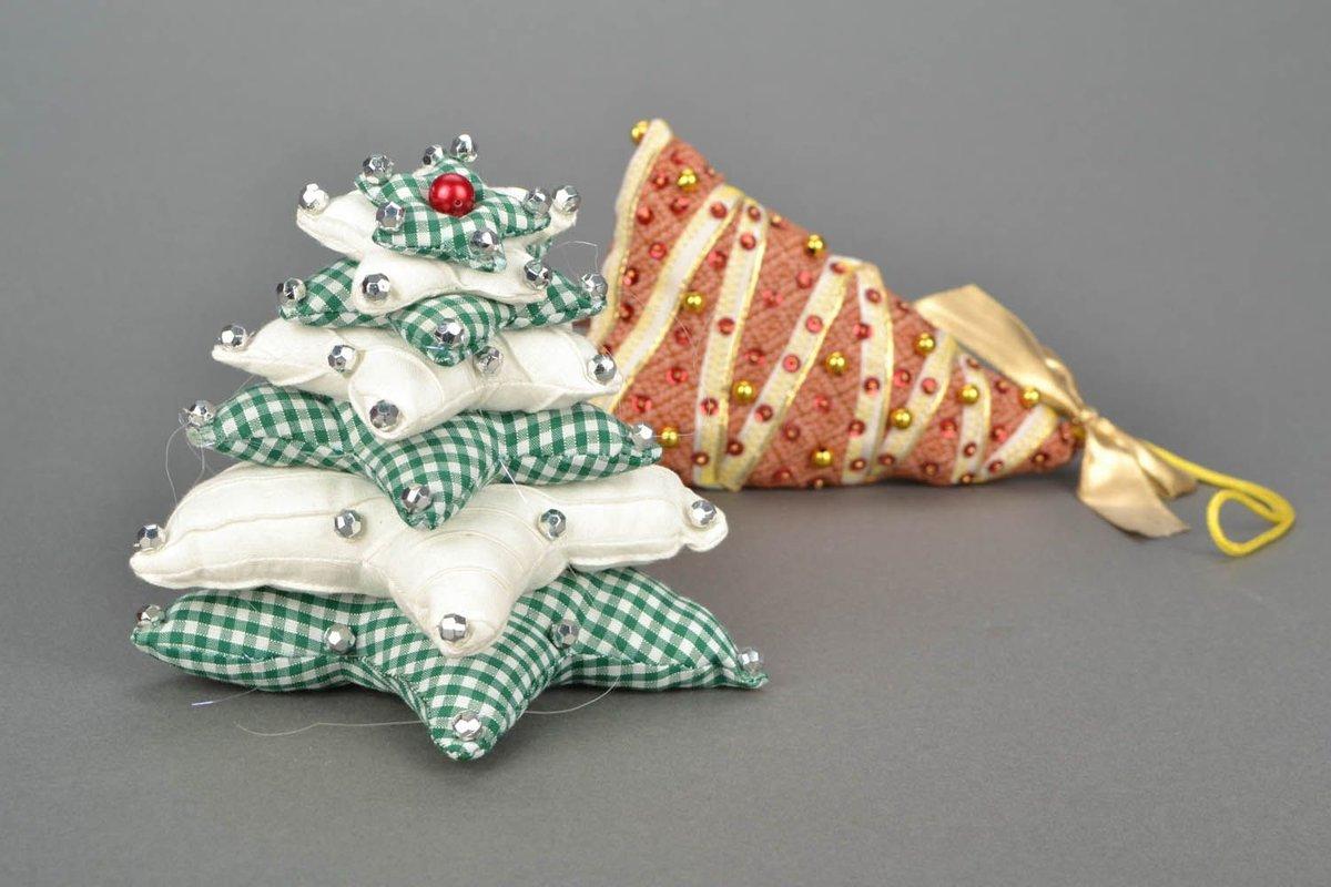 Как сделать из ткани новогоднюю игрушку