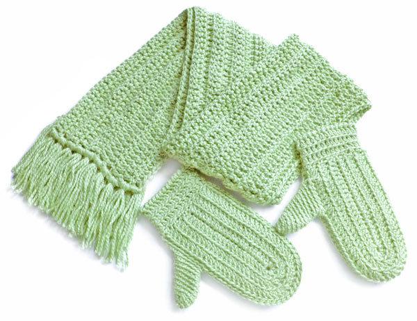 Вязание варежек и шарфов для детей 95