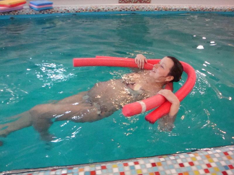 Фото беременных в бассейне 34