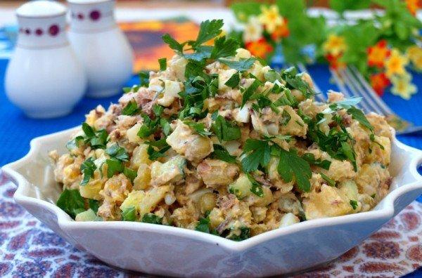Салат из вареной картошки с сардиной