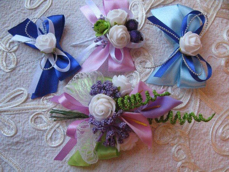 Бабочки для друзей жениха из атласных лент