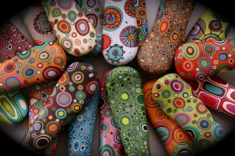 Как рисовать акриловыми красками на глине