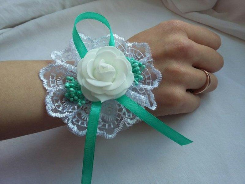 Что сделать на руку подружкам невесты своими руками 80