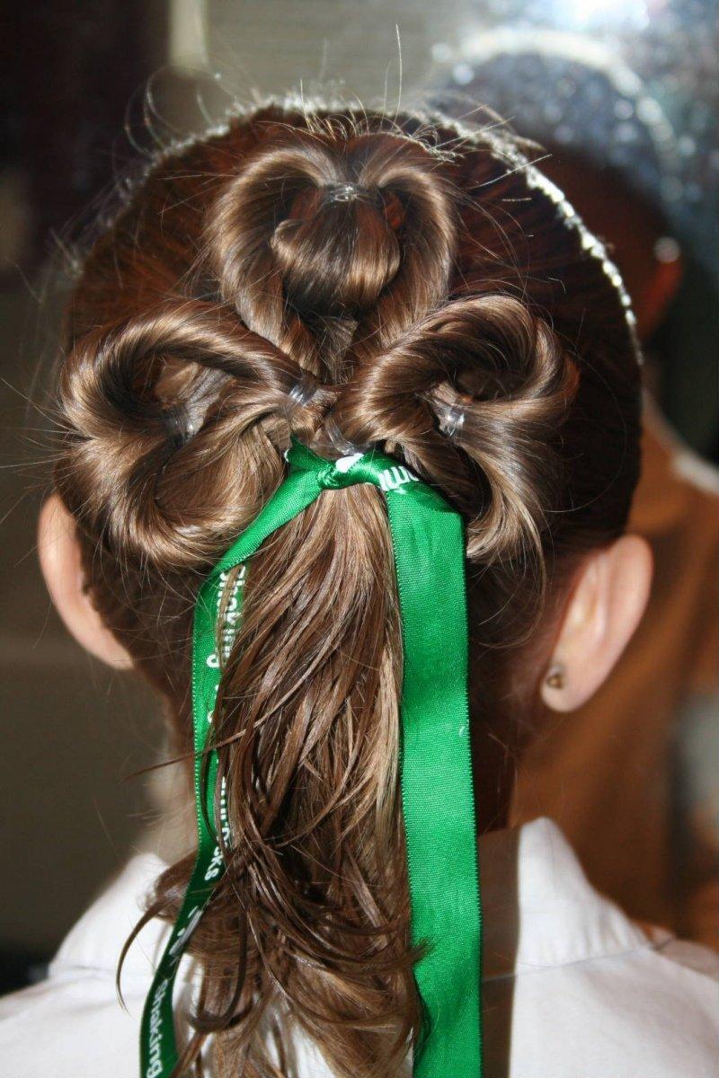 Прически на длинные волосы для высокой девочек