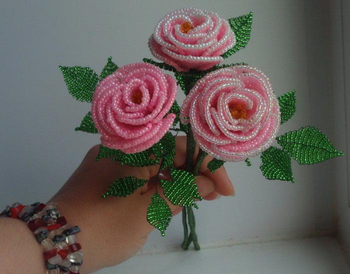 Как сделать цветок из бисера своими руками