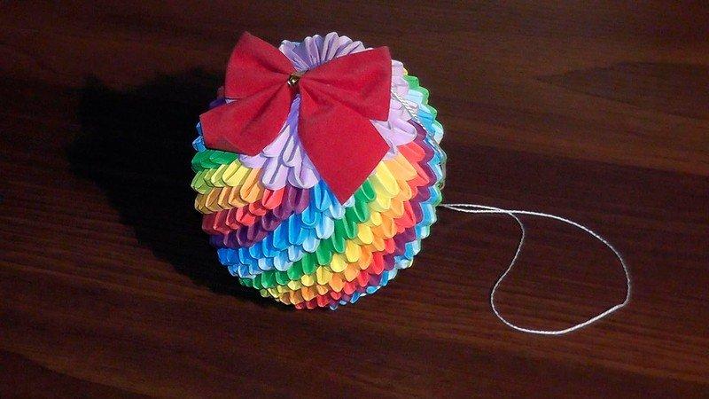 Новогодние игрушки своими руками из бумаги оригами