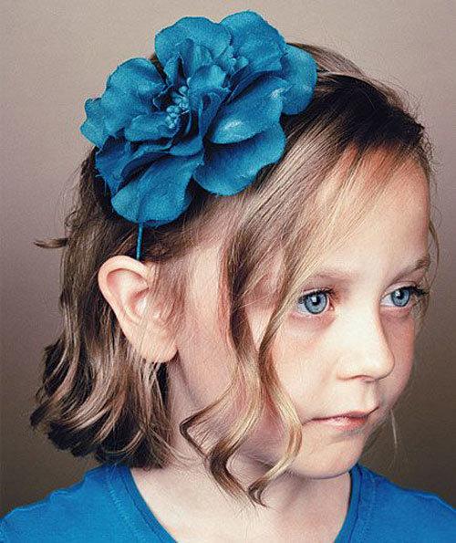 Причёска на новый год для детей с короткими волосами