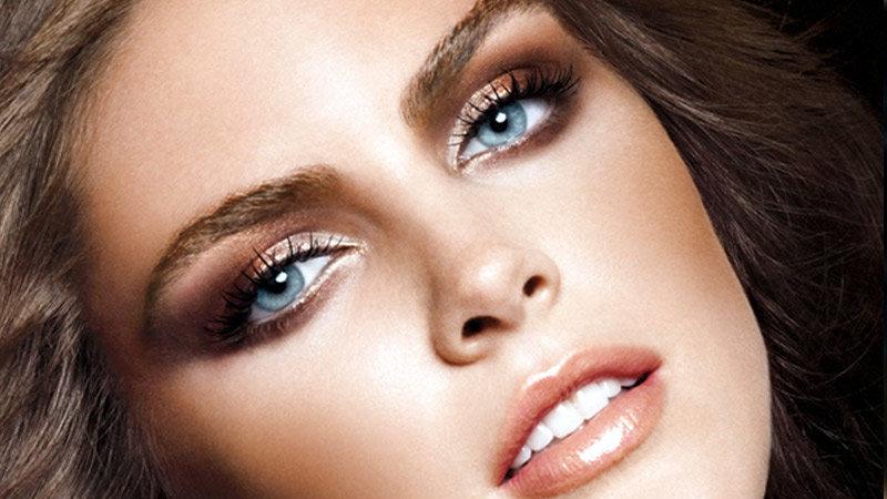 Фото свадебного макияжа для голубых глаз и темных волос
