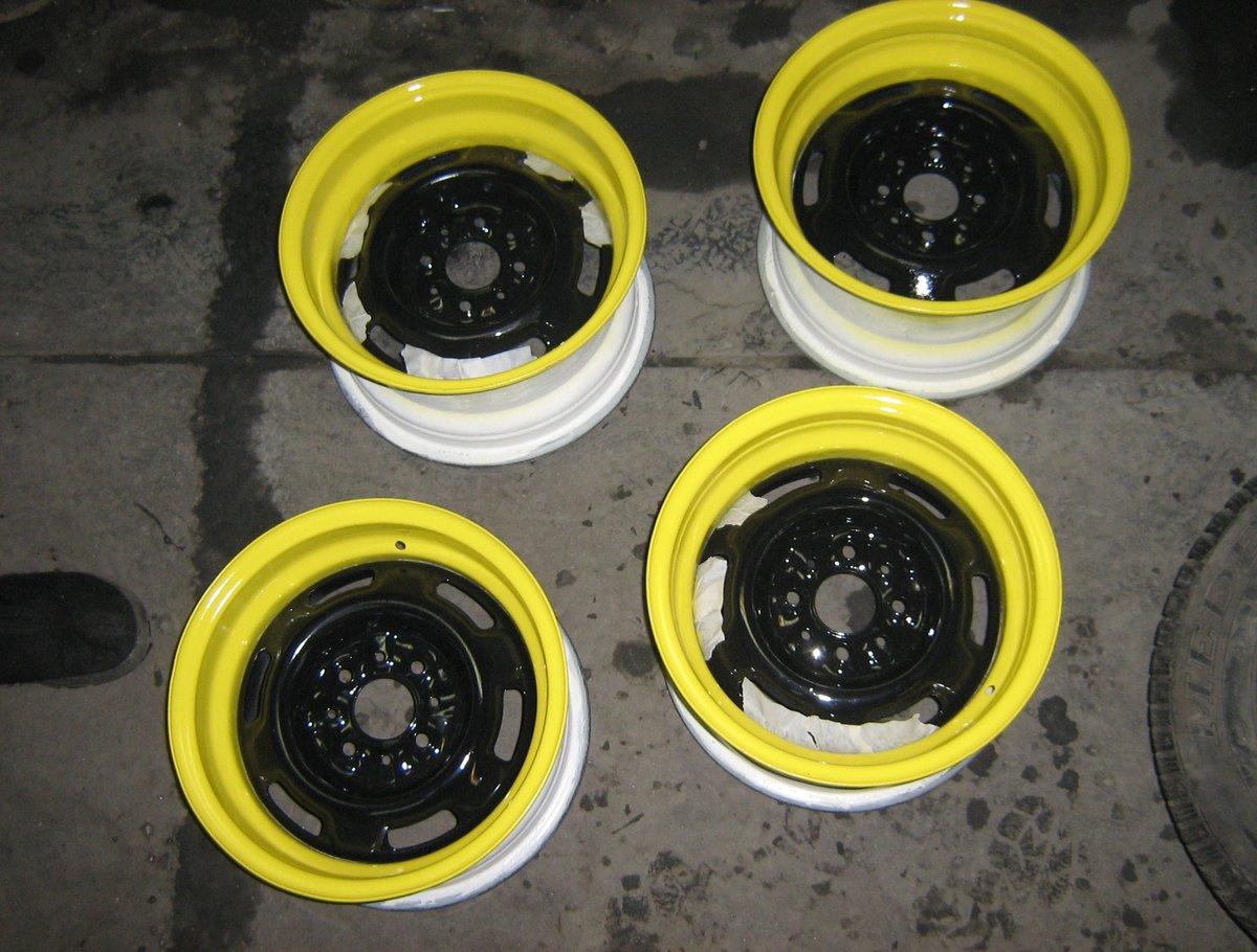 Как сделать колёса чёрными
