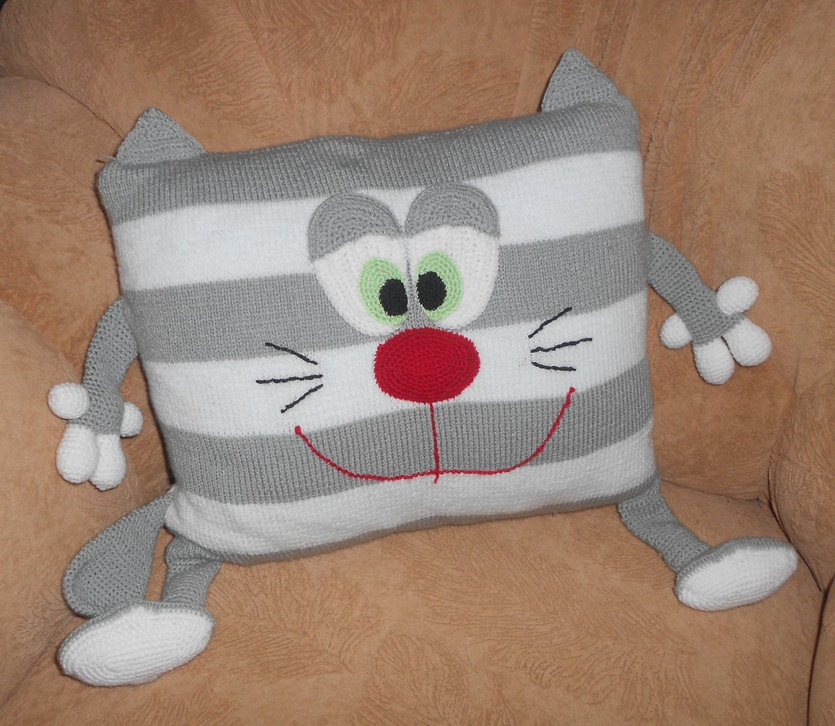 Сшить подушку для ребенка своими руками