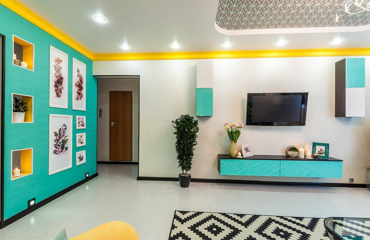 Дизайн стен разноцветной окраской в квартирахфото