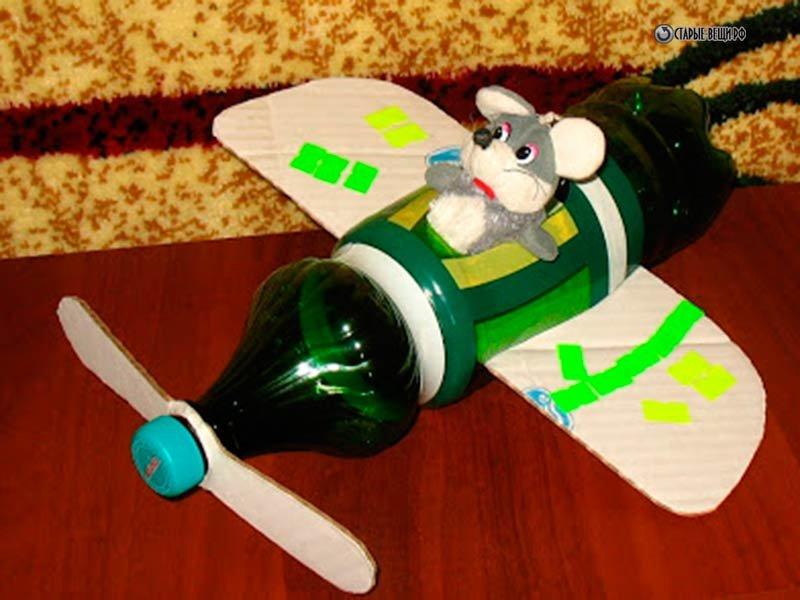 Поделка самолет  из бутылки 121