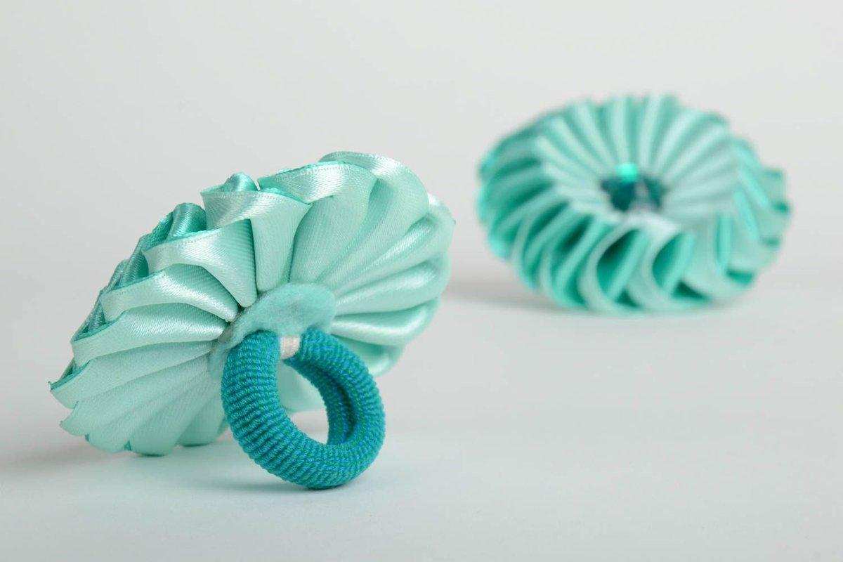 Резинки и заколки для волос из лент своими руками