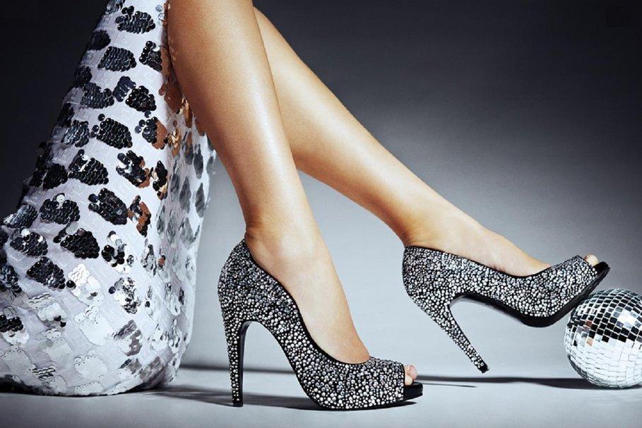 Как сделать блестящими туфли 304