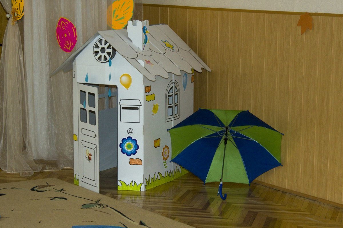 Детские домики из картонных коробок своими руками 16