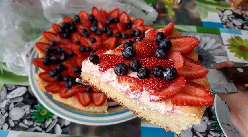 Нежный пирог с клубникой 192