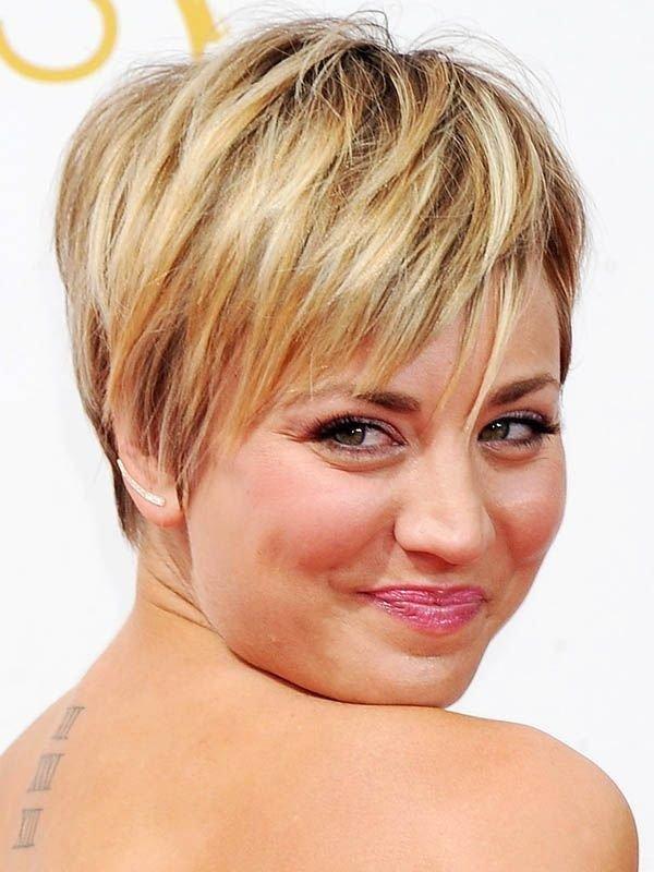 Прически для полных женщин с круглым лицом короткие волосы