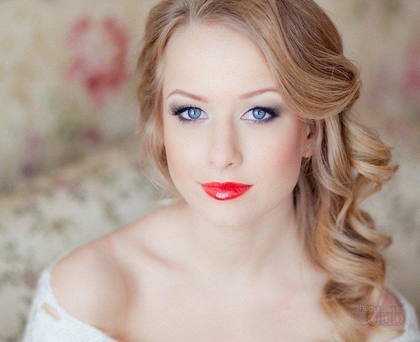 Невеста с голубыми глазами свадебный макияж
