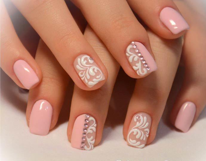 Дизайн ногтей в нежных тонах на короткие ногти