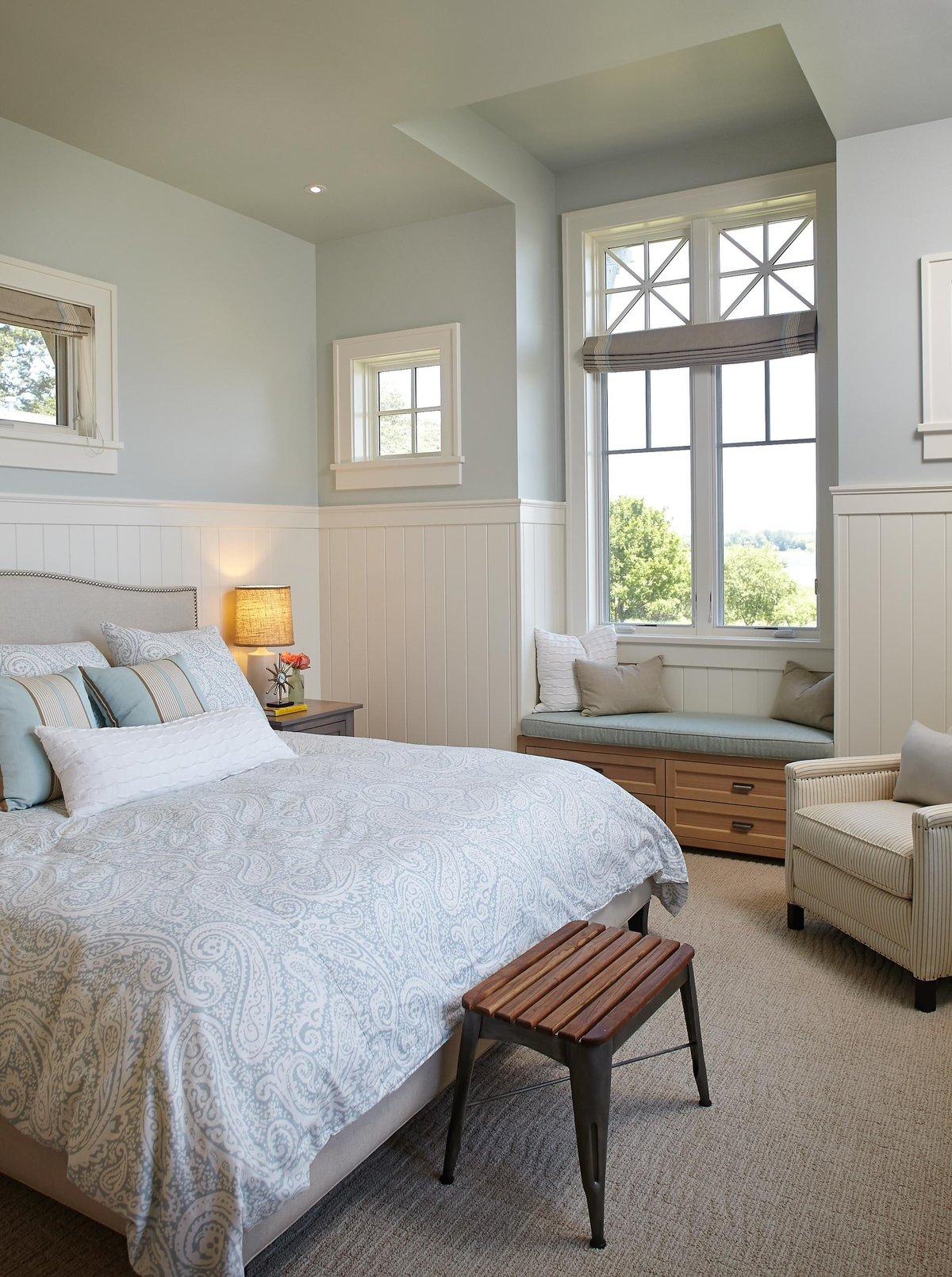 Дизайн маленькой спальни в белых тонах