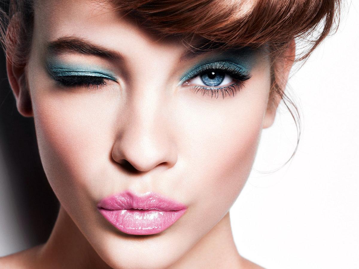 Красивые девушки с красивым макияжем
