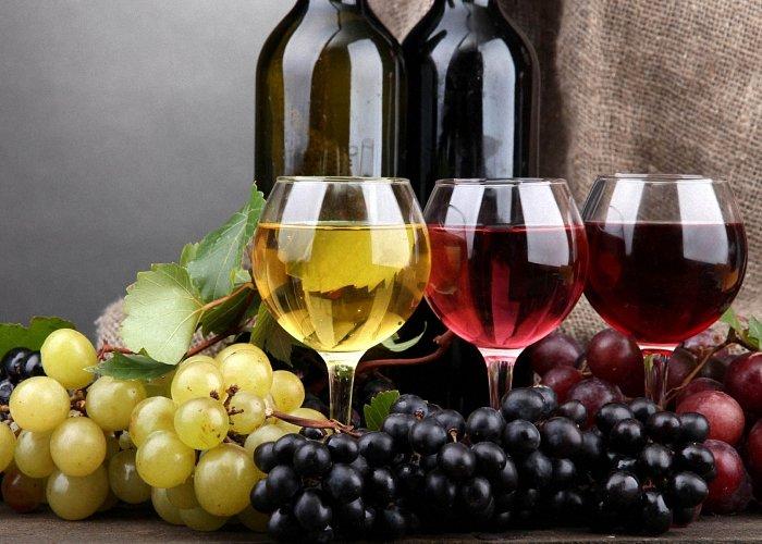 Приготовить белое вино в домашних условиях