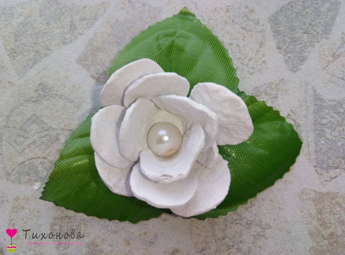 Вырезать цветы из яиц фото