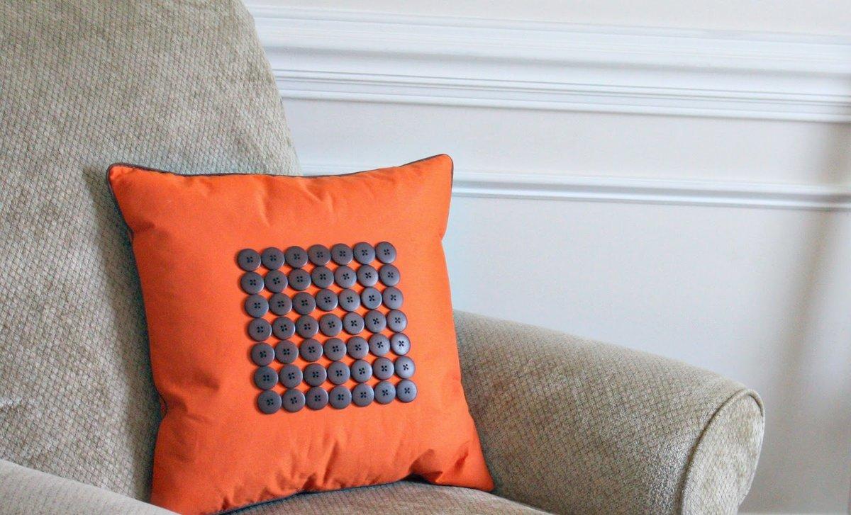 Декорируем подушки своими руками