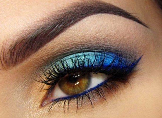 Синий макияж для карих глаз фото