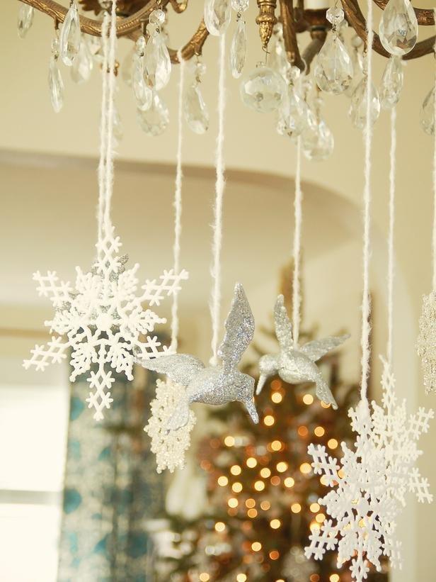 Зимние украшения для дома своими руками 53