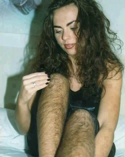Волосатая пизда англичанки