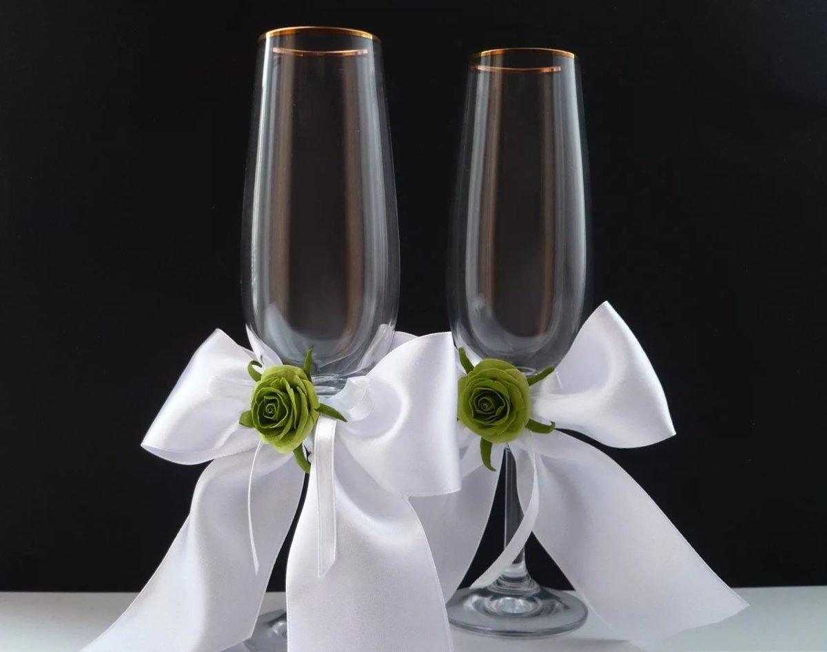 Как сделать бантик для свадебных бокалов