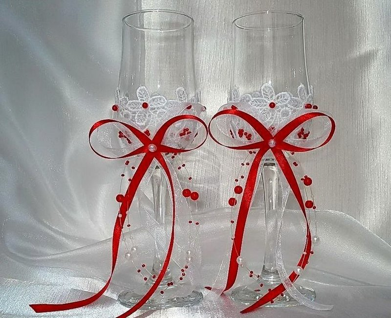 Бокалы на красную свадьбу своими руками