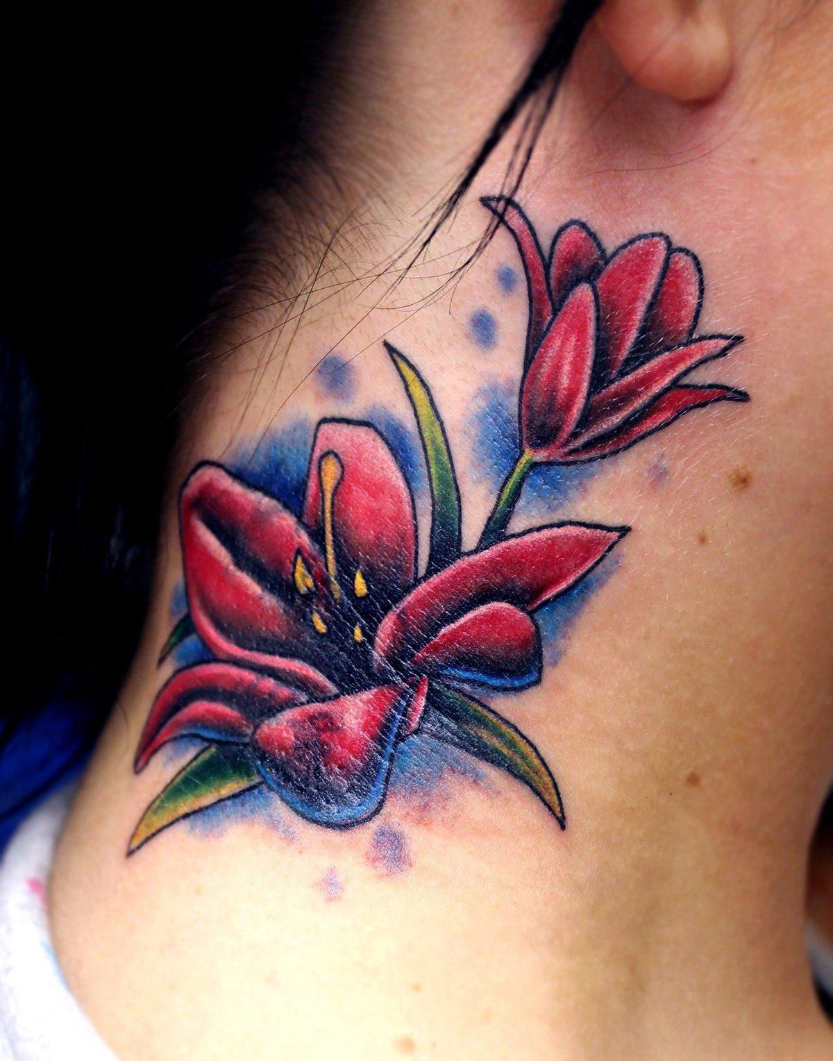 50 идей для маленьких красивых татуировок для девушек 15