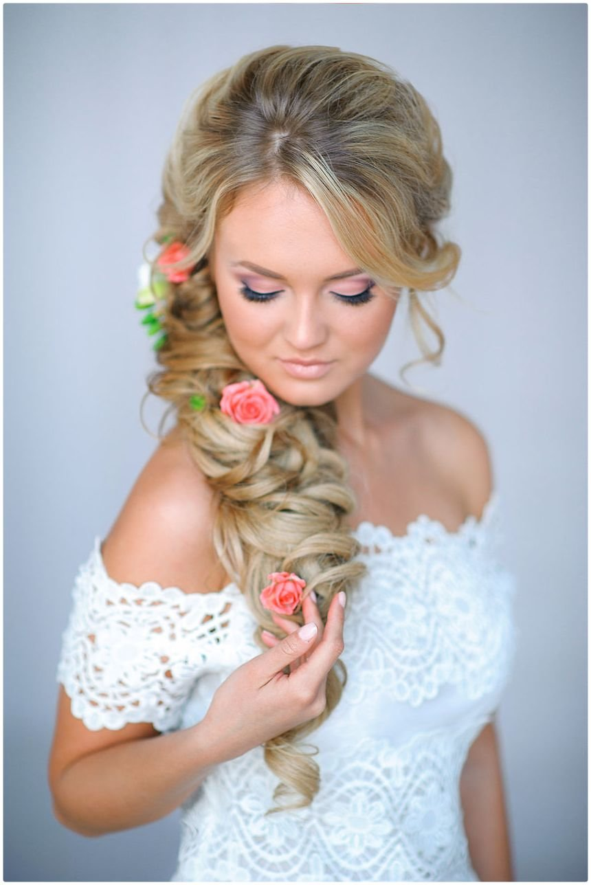 Модная свадебная прическа фото