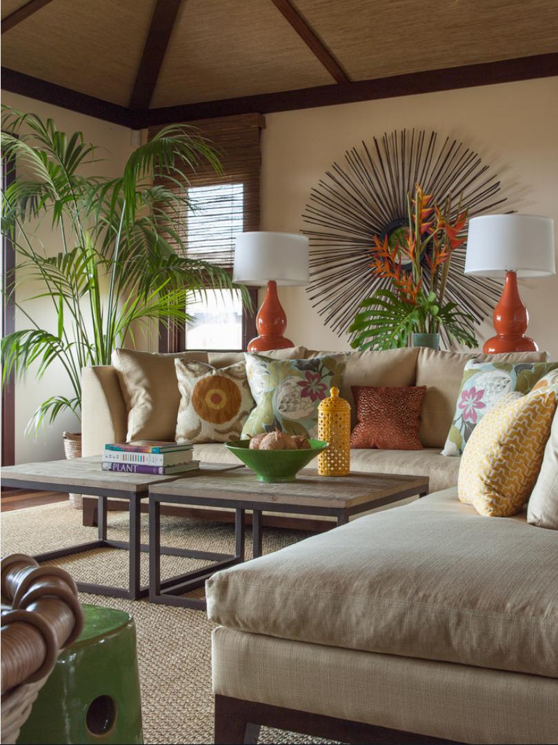 Дизайн гостиной с пальмой