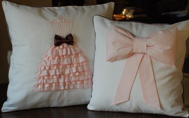 Как красиво украсить подушку своими руками