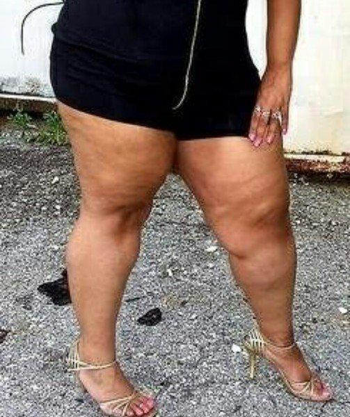 foto-zrelie-s-tolstimi-nogami