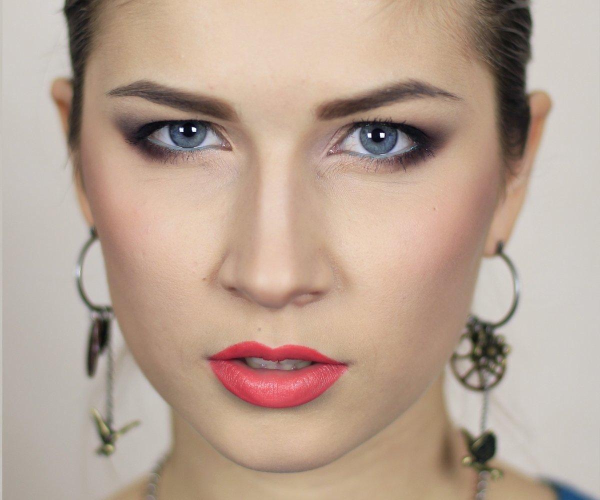 Макияж для голубых глаз с нависшим веком