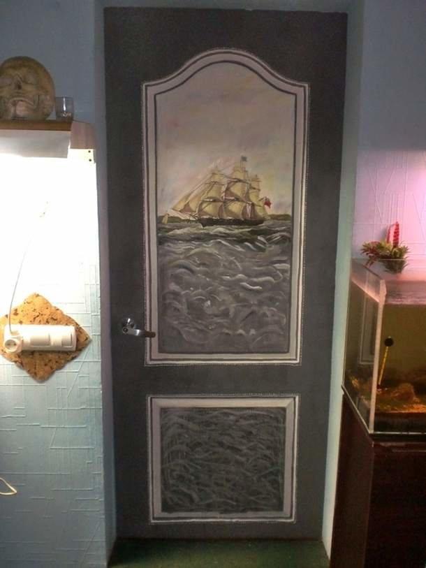 Чем обновить старую деревянную дверь своими руками 6