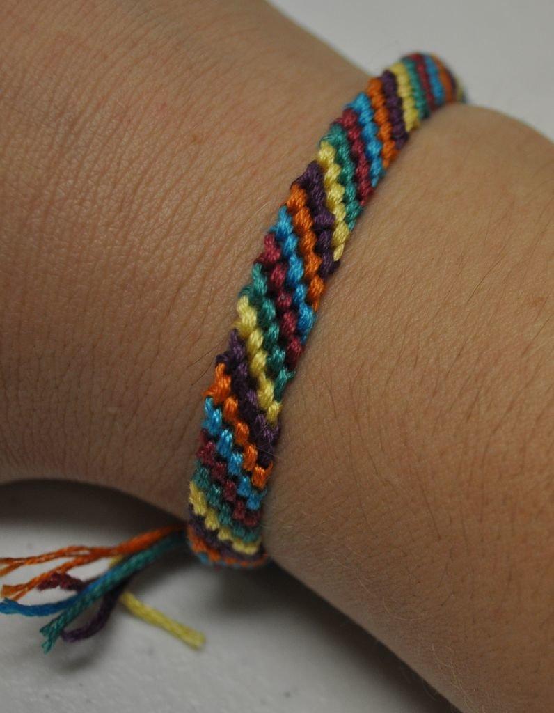 Цветные браслеты своими руками 663