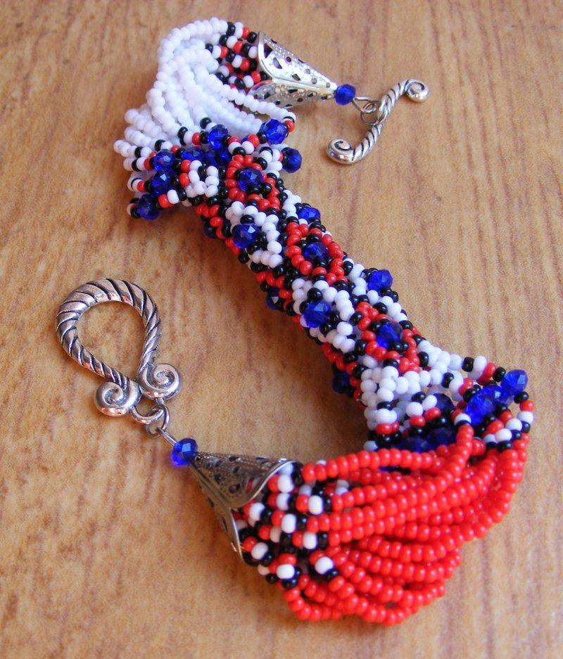 Мои браслеты из бисера своими руками