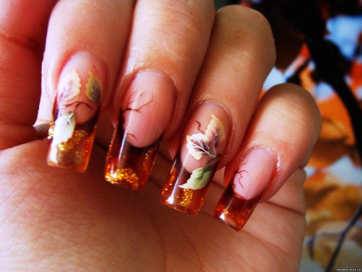Фото осеннего френча на ногтях