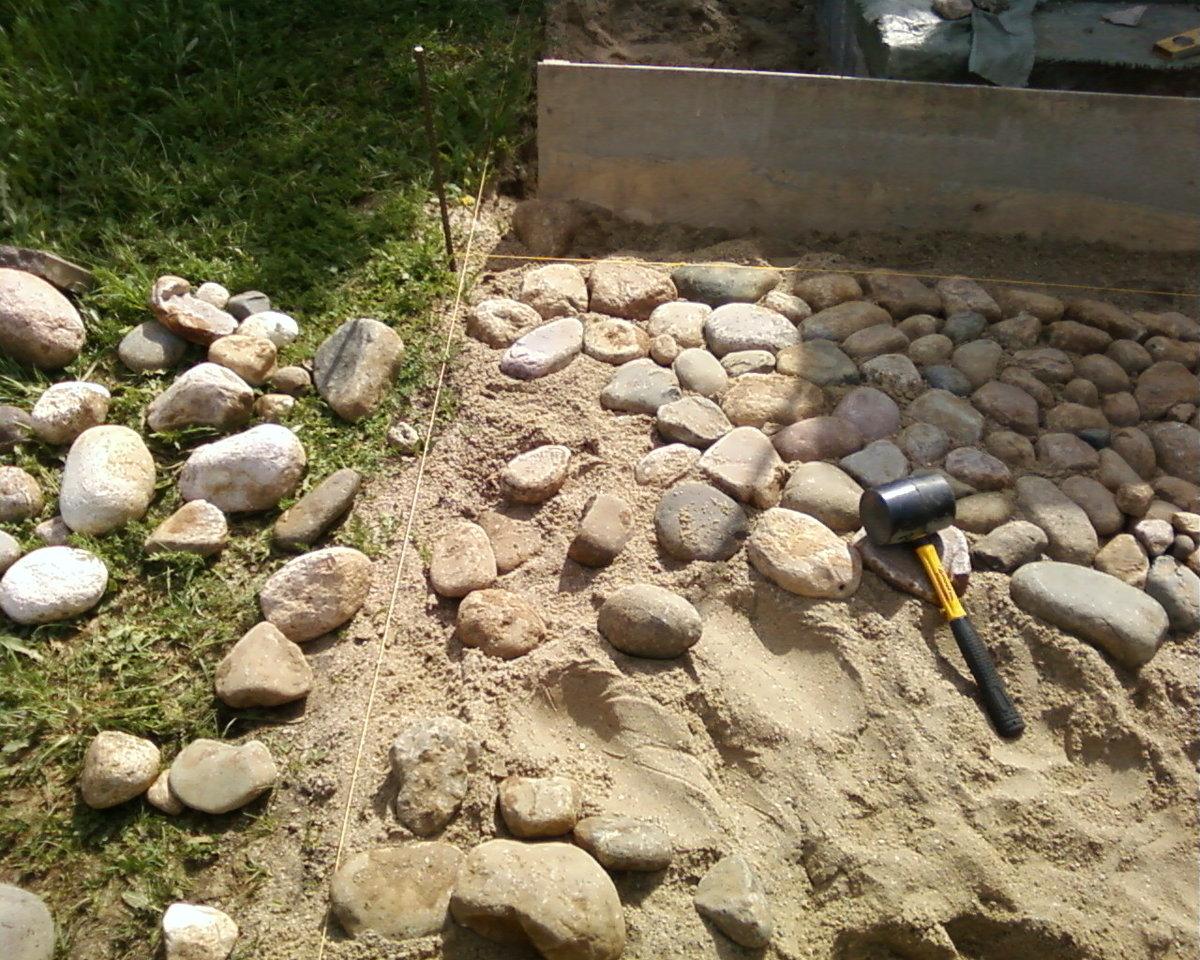 Дорожки из камня своими руками на даче и в саду: какой материал 96