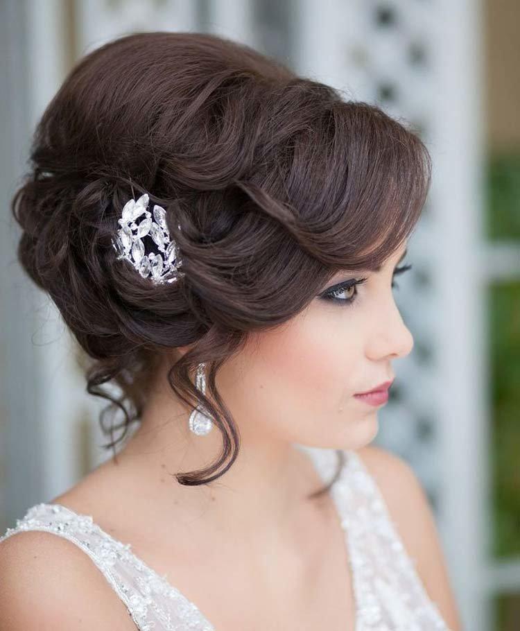 Прически на свадьбу из средней длины волос