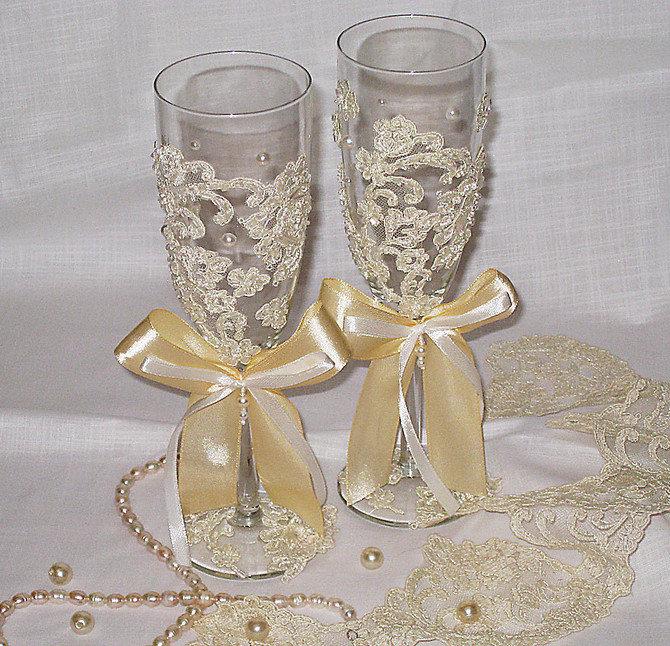 Украшение бокалов кружевом на свадьбу своими руками 13